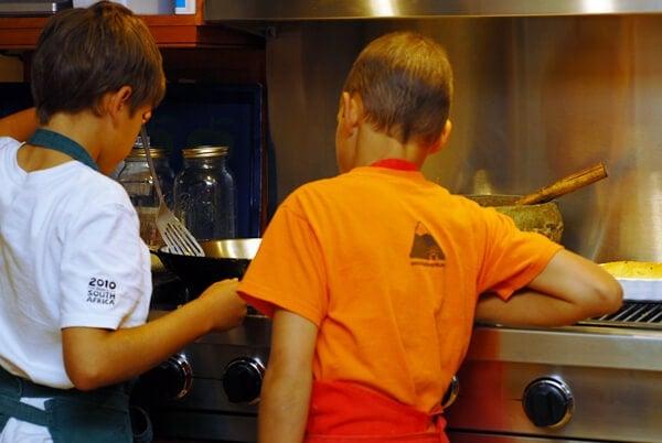 Boys-Cooking-550pix-1412