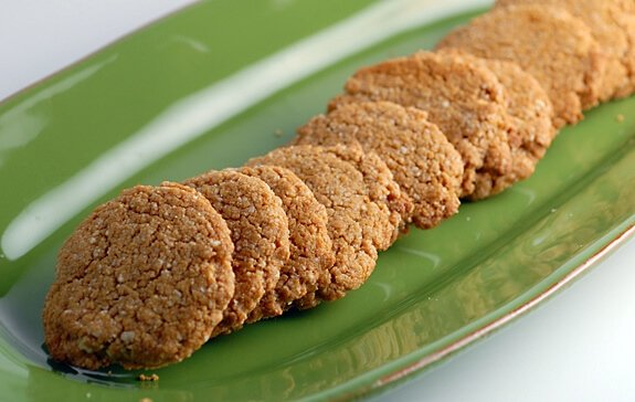 gluten-free molasses spice cookies recipe