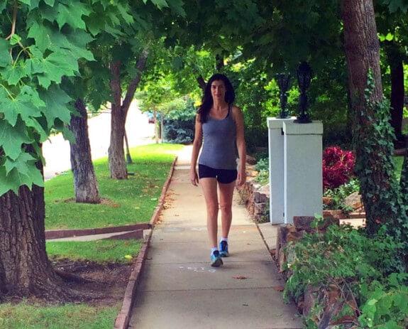 Elana Amsterdam walking