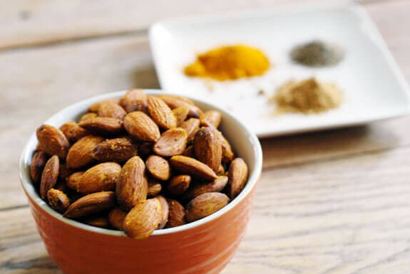 paleo curried almonds snack recipe