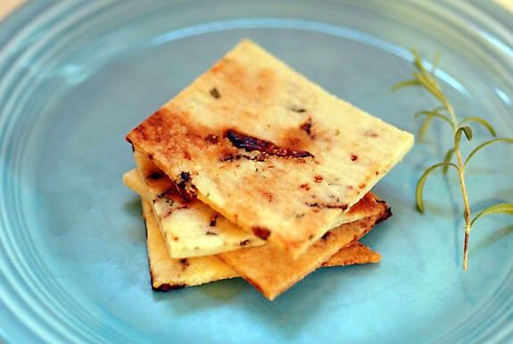 rosemary fig crackers gluten-free paleo recipe
