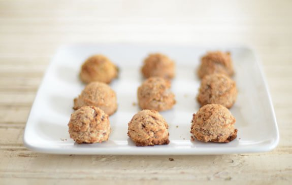 almond pulp macaroons