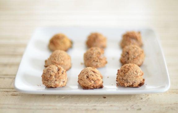 almond pulp macaroons recipe
