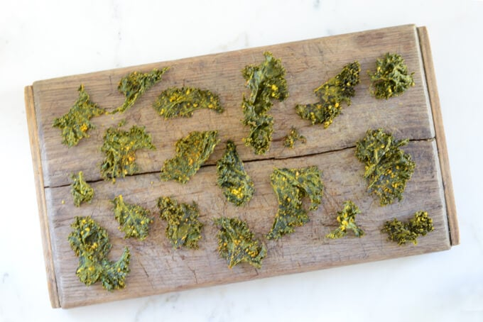 Barbecue kale chips