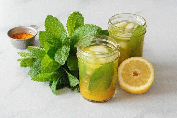 Turmeric Mint Lemonade
